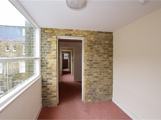 2 bedroom third floor apartment in Dover