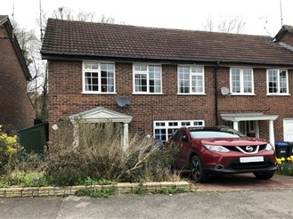 3 bedroom end of terrace house in East Grinstead