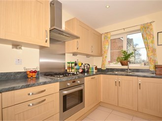 4 bedroom town house in Southgate, Crawley