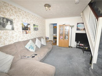 2 bed end of terrace house in Langley Green, Crawley