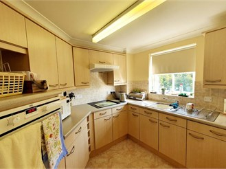 2 bedroom top floor retirement flat in Horley