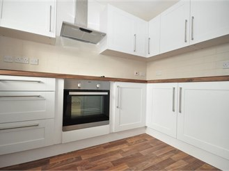 2 bedroom second floor flat in Pulborough