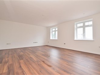 2 bedroom first floor apartment in Purley
