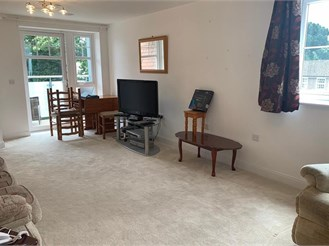 1 bed first floor retirement flat in South Croydon