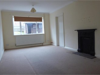 3 bedroom terraced house in New Addington, Croydon