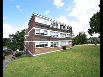 2 bed ground floor flat in South Norwood