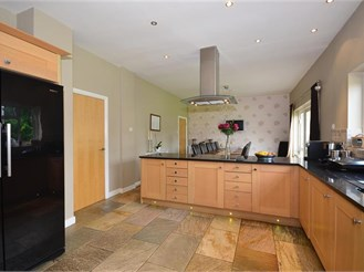 4 bedroom detached house in Sutton
