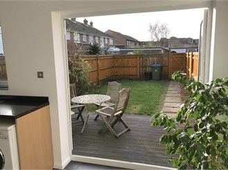 3 bedroom end of terrace house in Rustington