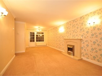 3 bedroom semi-detached house in Littlehampton