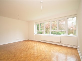 2 bed ground floor flat in Warlingham