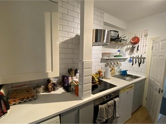 1 bedroom basement converted flat in Brighton