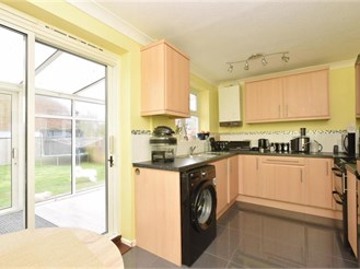 3 bedroom end of terrace house in Chichester