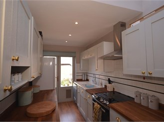 2 bedroom terraced house in Chichester