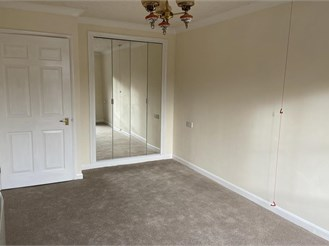 1 bed ground floor retirement flat in Chichester