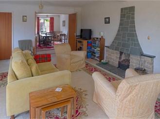 4 bed detached house in Lavant, Chichester