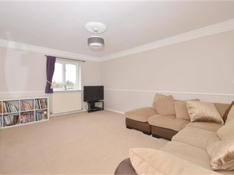 2 bedroom first floor apartment in Boxgrove, Chichester