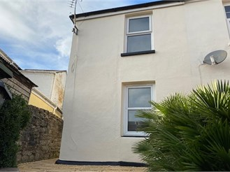 2 bedroom semi-detached house in Ryde
