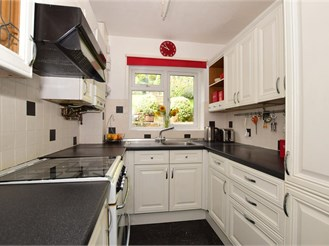 3 bedroom semi-detached house in Purley