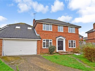 6 bedroom detached house in East Grinstead