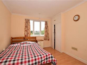 3 bedroom end of terrace house in Cheam