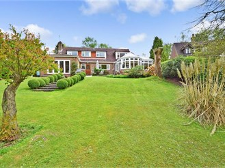 4 bedroom detached house in Nutley, Uckfield