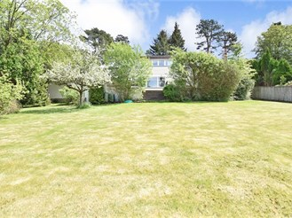 5 bedroom detached house in Crowborough