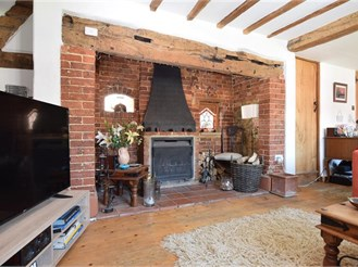 3 bedroom attached house in Billingshurst