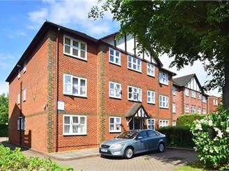 2 bedroom ground floor flat in South Sutton