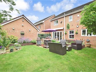 4 bedroom detached house in North Holmwood, Dorking