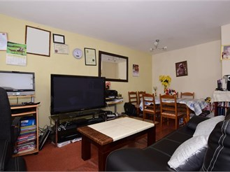 2 bedroom first floor apartment in Wallington