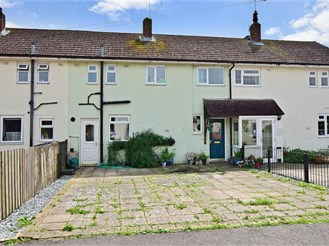3 bedroom terraced house in Tangmere, Chichester