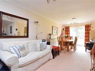 4 bedroom end of terrace house in Sutton
