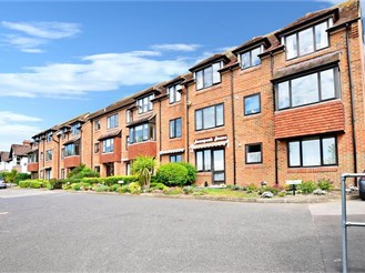 1 bedroom second floor apartment in Hythe