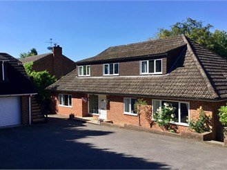 4 bedroom detached house in Headley Down, Bordon