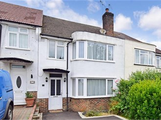 3 bedroom terraced house in South Croydon