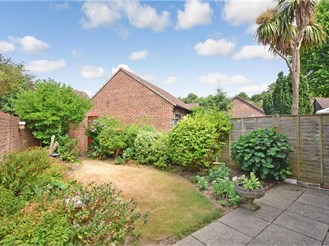 3 bedroom end of terrace house in Tangmere, Chichester