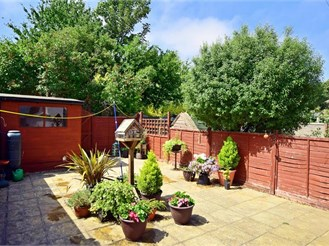 3 bedroom detached house in Southwick, Brighton