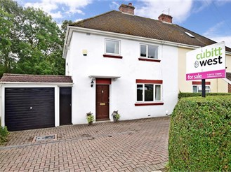 3 bedroom semi-detached house in Redhill