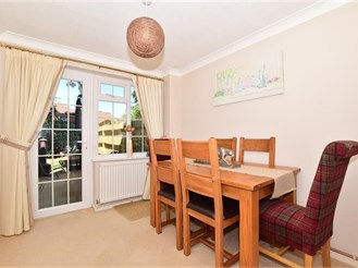 3 bedroom end of terrace house in Uckfield