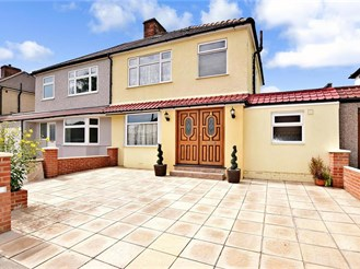 5 bedroom semi-detached house in Welling