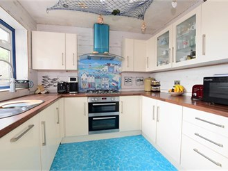 3 bedroom semi-detached house in Seaford