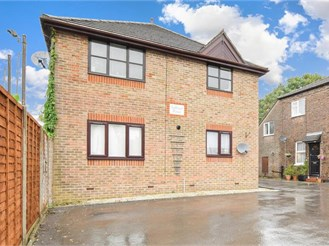2 bedroom first floor maisonette in Horsham