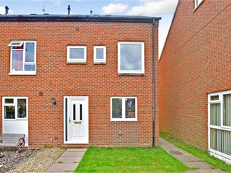 3 bedroom end of terrace house in Horsham