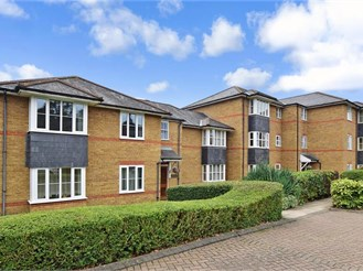 1 bedroom second floor retirement flat in Sutton