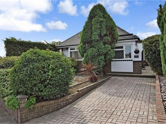 3 bedroom detached bungalow in Woodingdean, Brighton