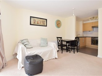 1 bedroom ground floor flat in Redhill