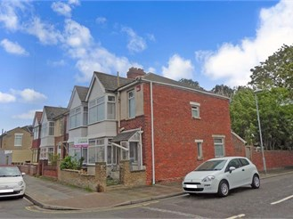 3 bedroom semi-detached house in Portsmouth