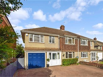 5 bedroom semi-detached house in Orpington