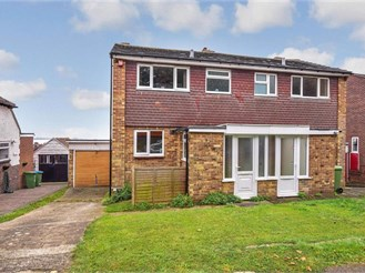 3 bedroom semi-detached house in Portchester, Fareham