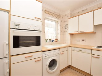 2 bed first floor retirement flat in Reigate